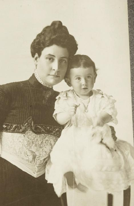 Annie Baruch with her year-old daughter, Belle