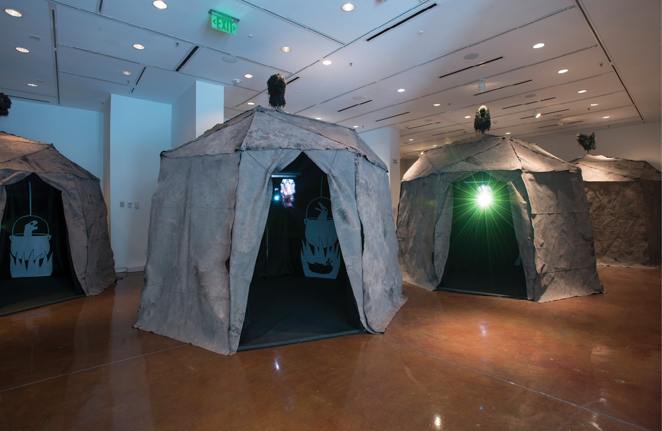 "The 2018 immersive exhibition by German artists Böler & Orendt featured a ""makeshift transdimensional stopover camp"" in which extinct animals offered songs of forgiveness to humans."