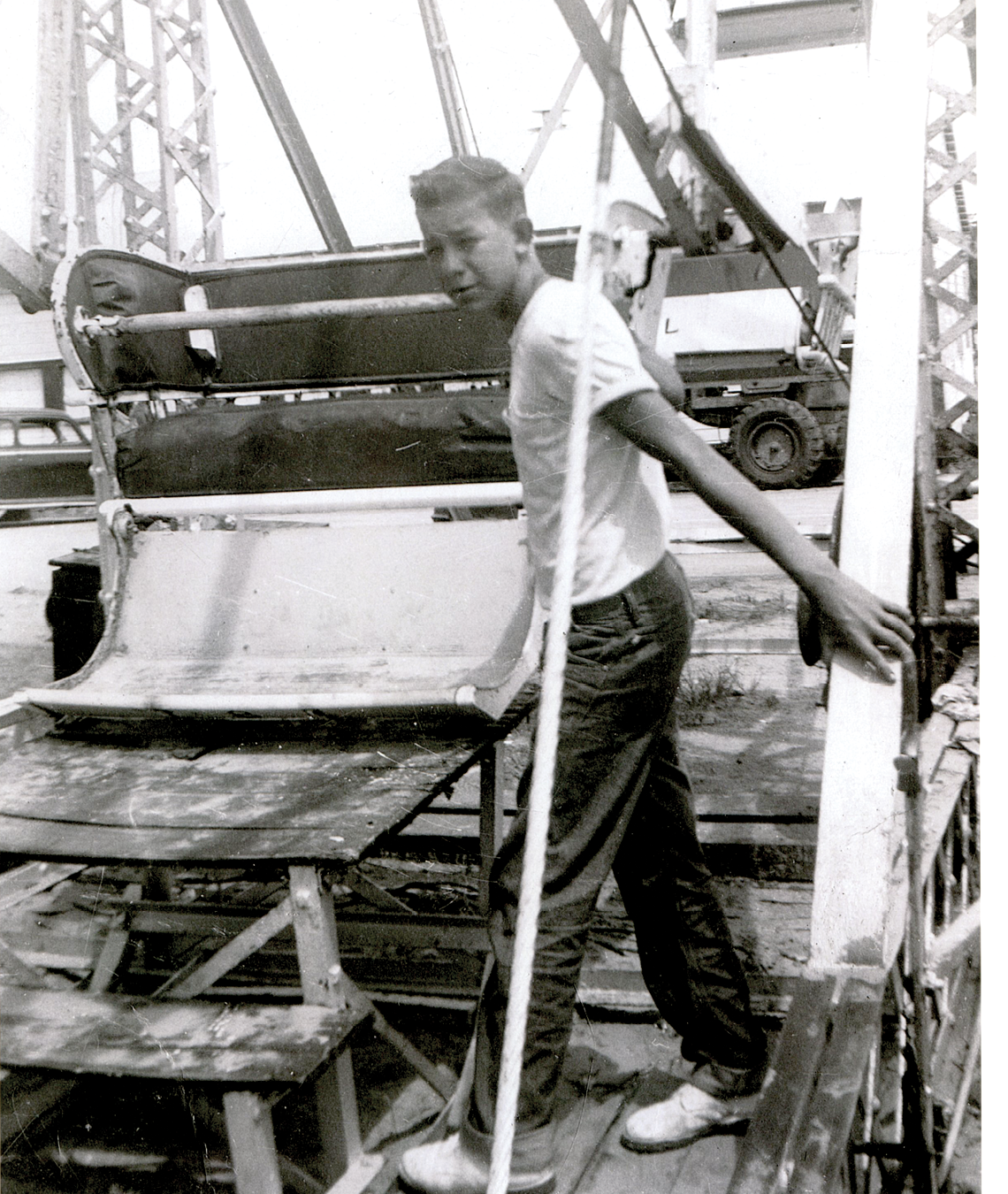 Robert Knight working the Ferris wheel in 1956
