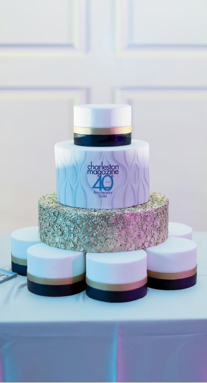 DeClare created a stunning anniversary cake.