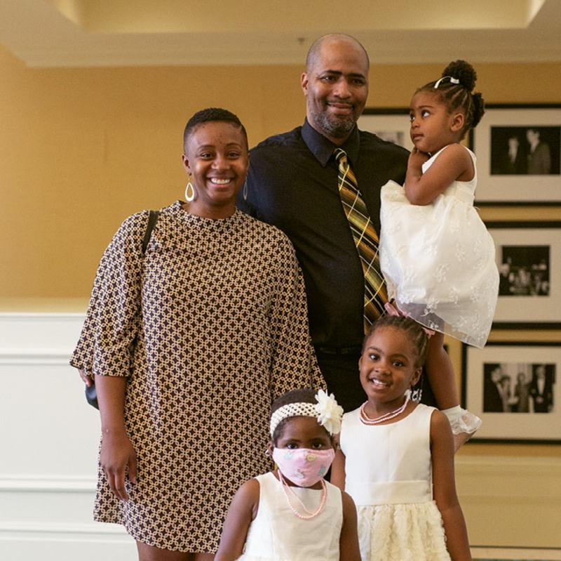 The Shell family: Alexandra, Jon, Ava (held), Ashlynn, and Alayna