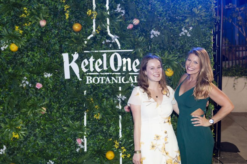 Charleston mag staffers Zoe Bell and Aleece Kingsley-Taylor were thrilled to attend.